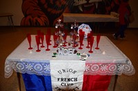 UEHS French Club holiday dinner