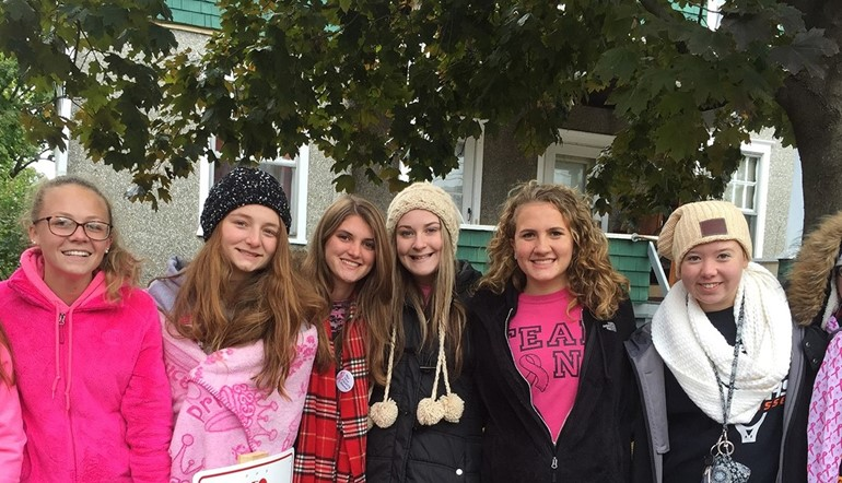 UEHS students at Making Strides.