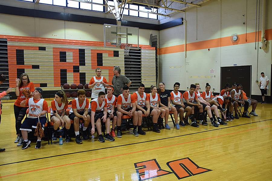 Students play on unified basketball team