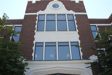 Union-Endicott High School front of building